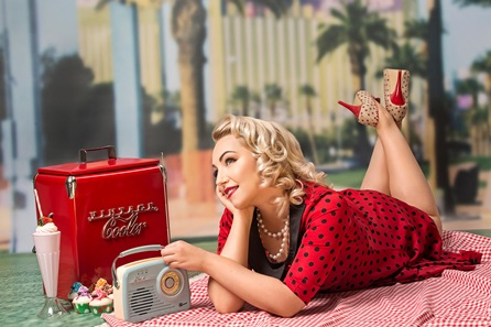 1950's Vintage Makeover and Photoshoot with 50 off Voucher